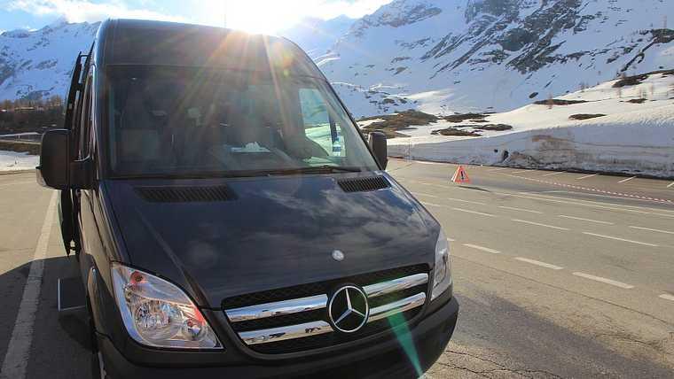 gmc limousine; suisse chauffeur;